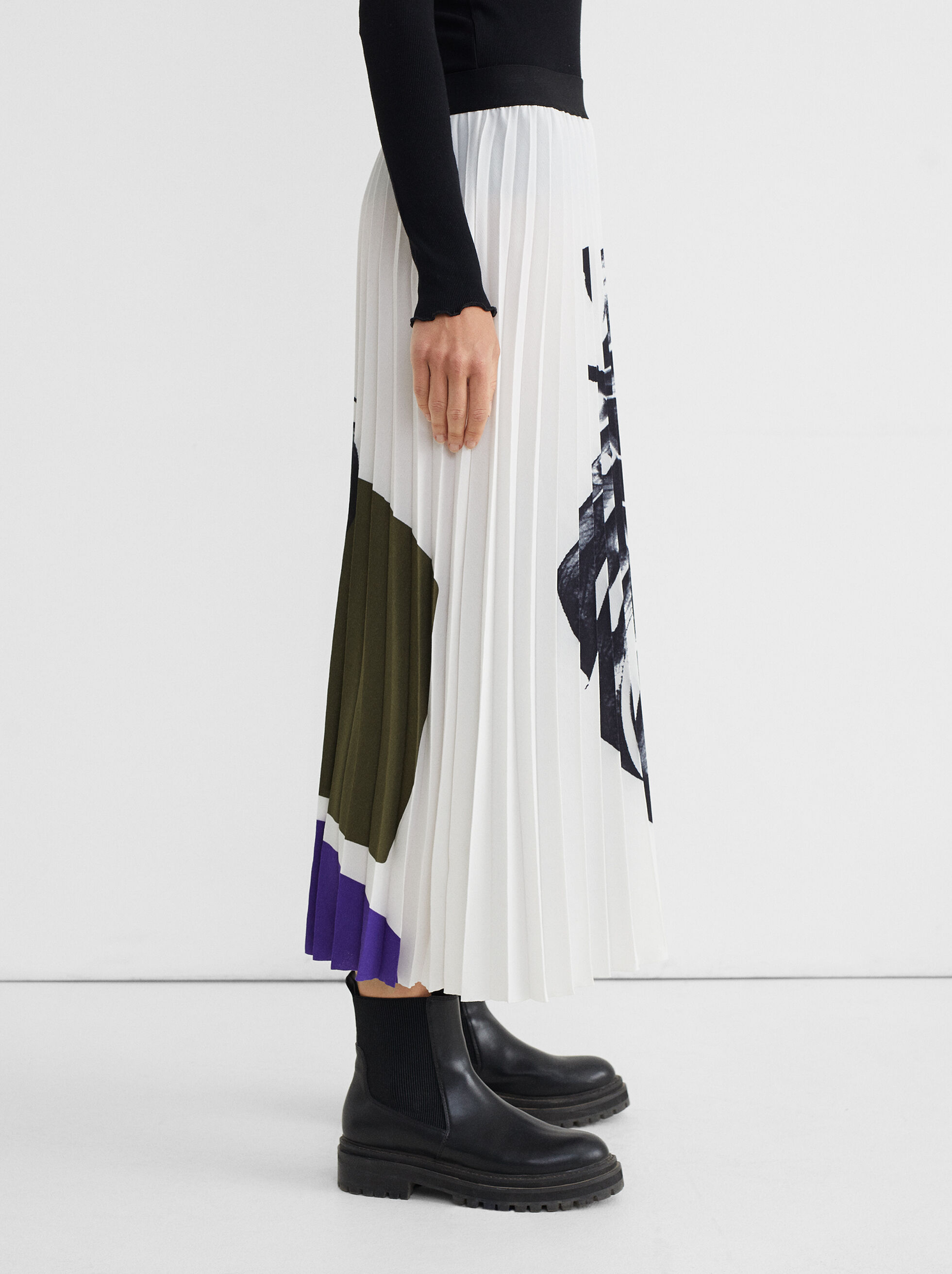Pleated Skirt With Leaf Print, White, hi-res