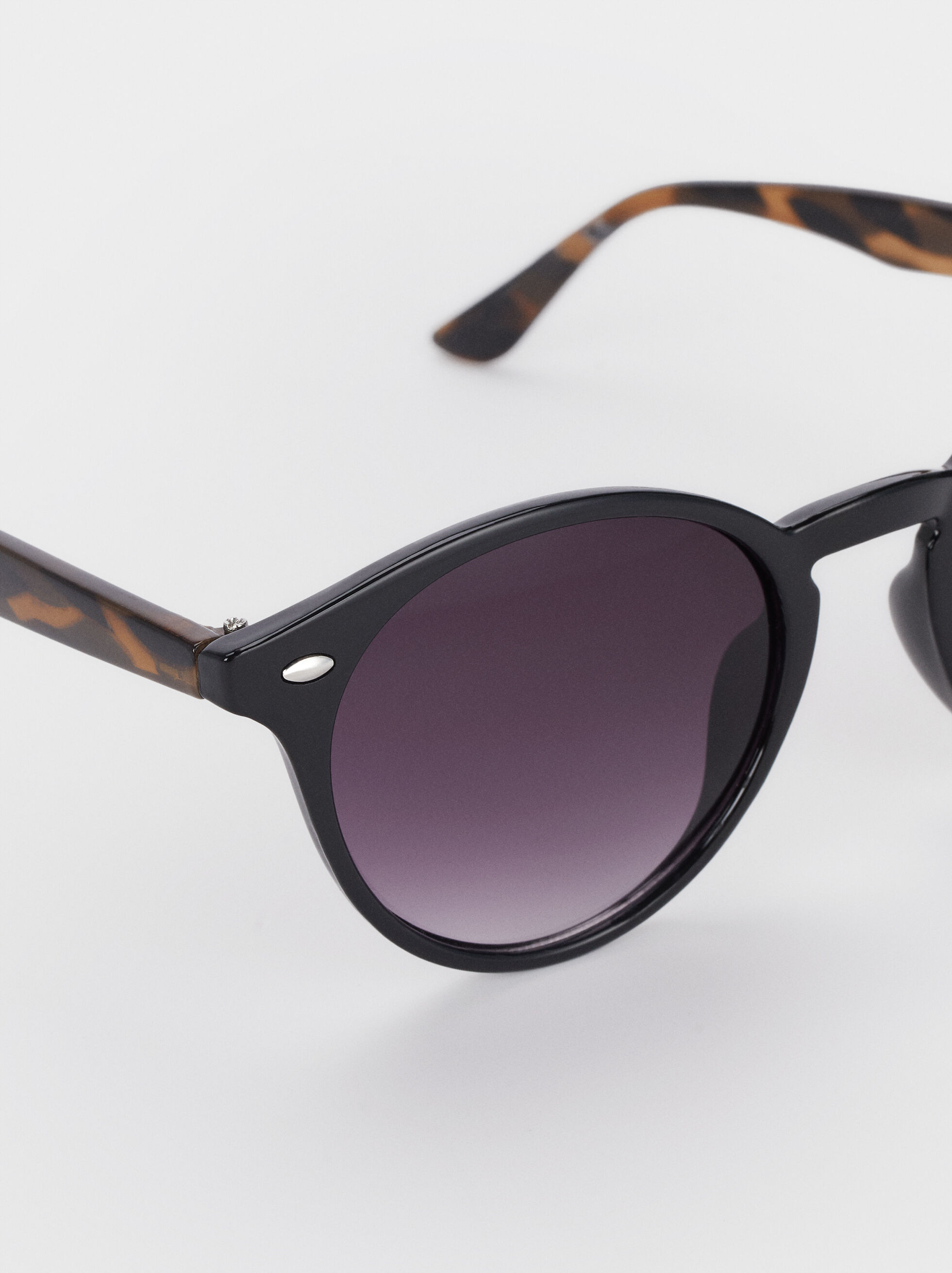 Round Sunglasses, Black, hi-res