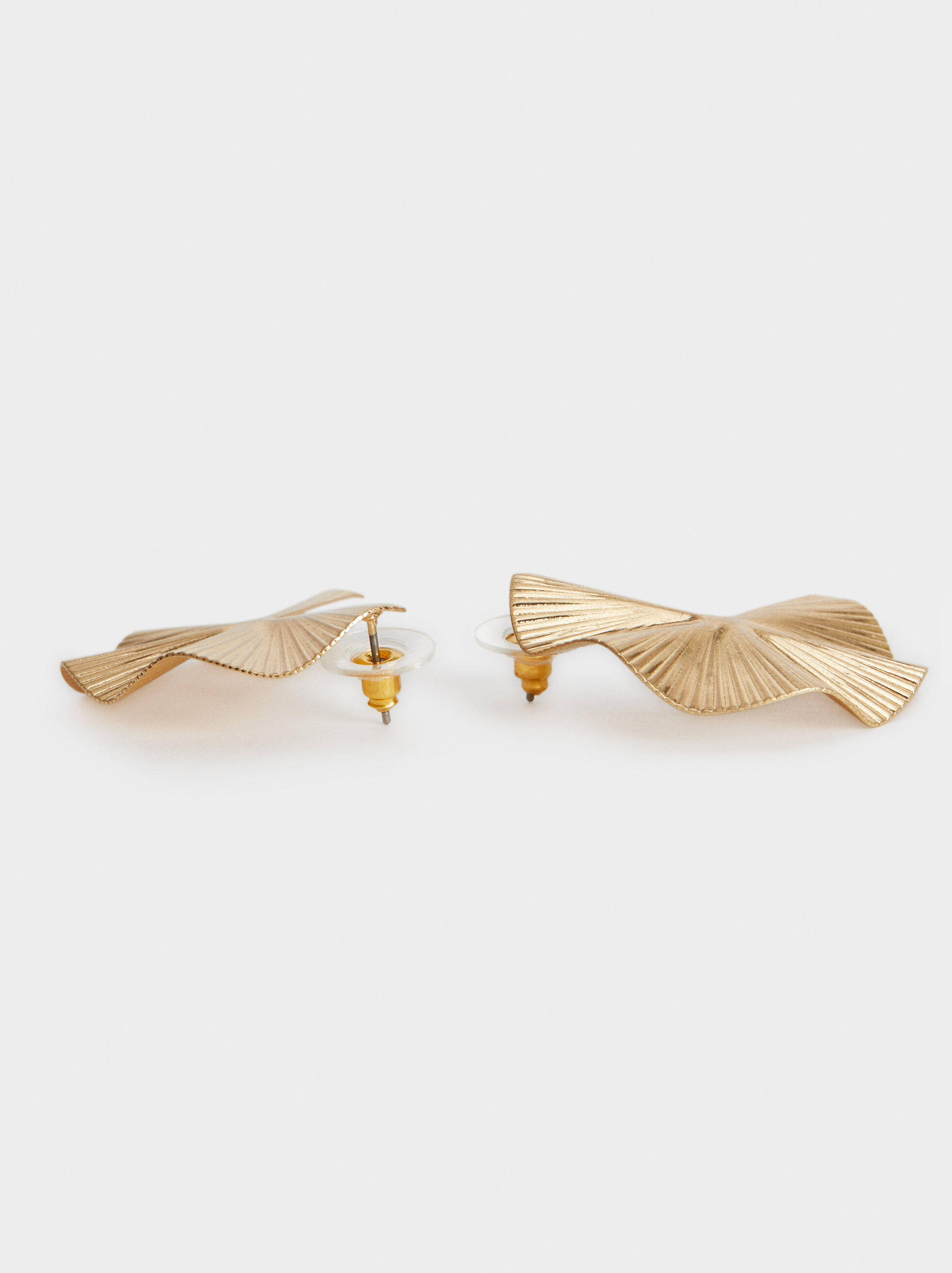 Medium Wavy Earrings, Golden, hi-res