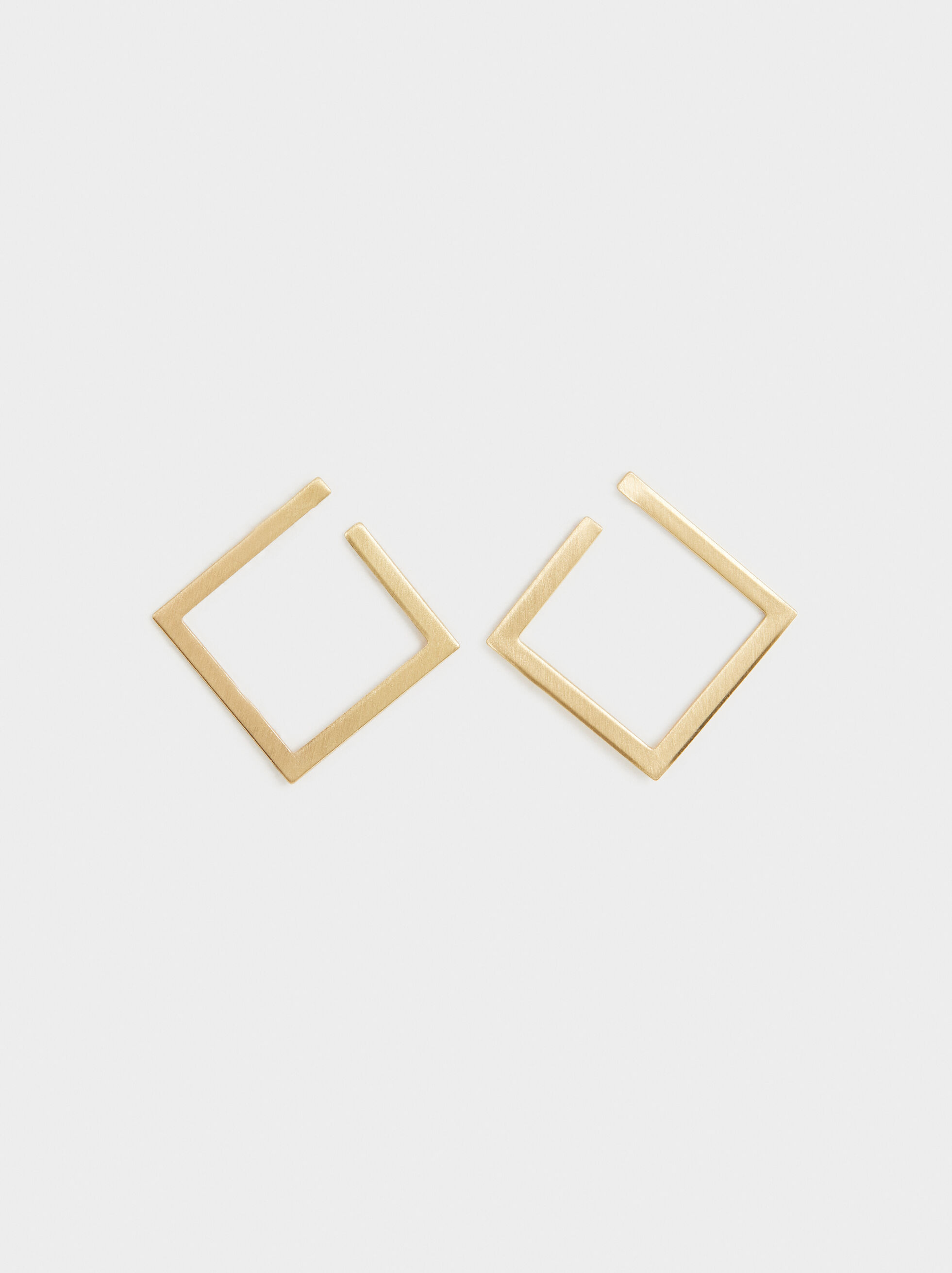 Medium Diamond-Shaped Earrings, Golden, hi-res