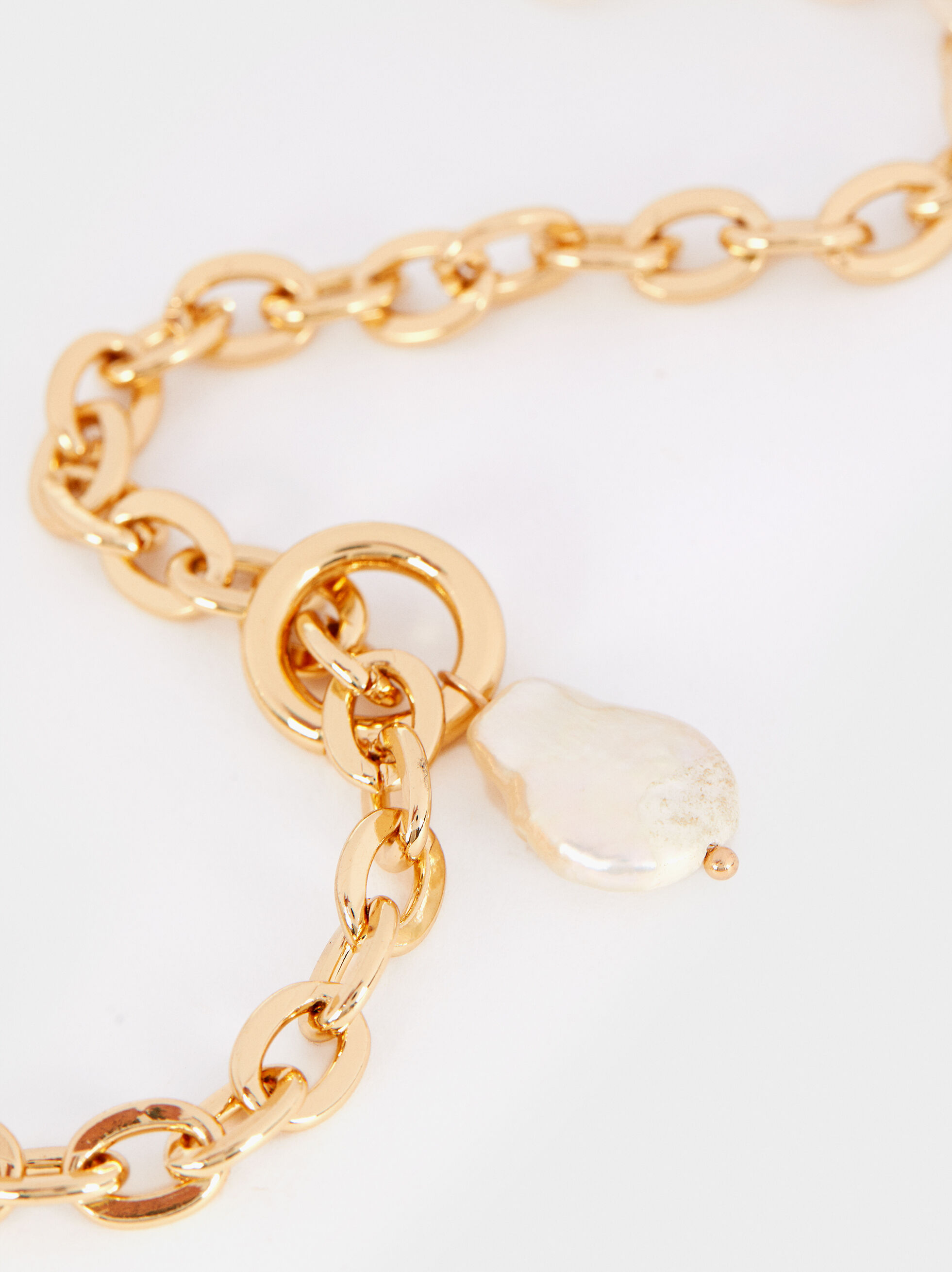 Short Gold Necklace With Faux Pearl Detail, Golden, hi-res