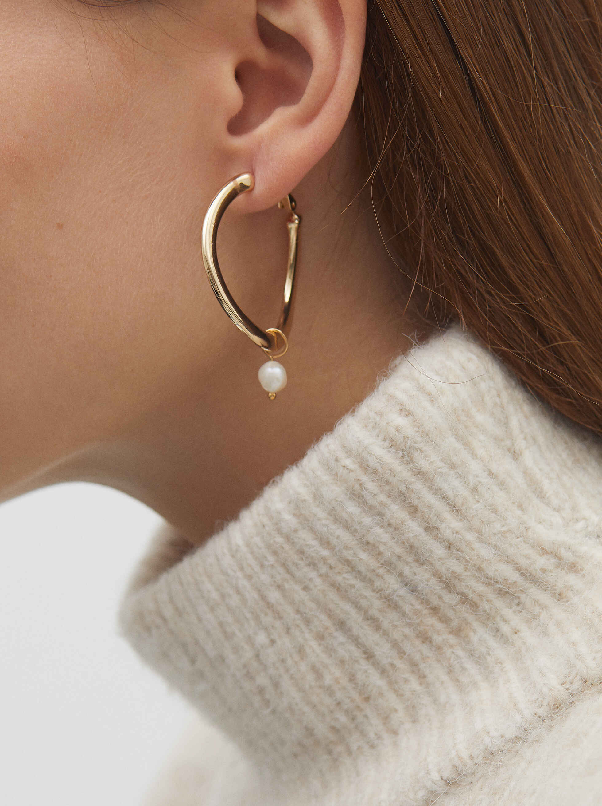 Medium Gold Metal Hoop Earrings With Faux Pearl Detail, Golden, hi-res